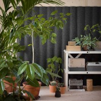 Akustické moduly jsou uchyceny ke stěně prostřednictvím skrytého uchycení