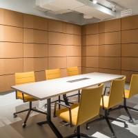 Jedinečný vzhled panelů a vlastnosti pro vylepšení mluvené řeči jsou ideální volbou pro vaše budoucí srozumitelné konference