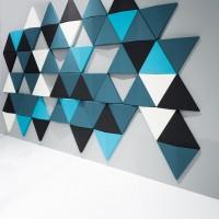 Jednotlivé trojúhelníkové části je možné montovat jak vodorovně, tak vertikálně, což umožňuje jejich kombinování v jakémkoli požadovaném vzoru.