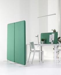 Softline má rám z masivního dřeva a vynikající stabilitu. Softline je k dispozici v různých velikostech a tloušťkách, pro stoly a podlahy