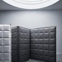 Stich byl představen již v roce 2013 jako prototyp, a nyní byl vyvinut do hotové podoby, a byl představen v roce 2014 ve Stockohlmu na veletrhu nábytku.