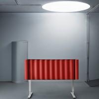 Stolní paravány Scala  mají vlnité plstěné zvuk pohlcující jádro