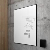 """Na fotografii je detail nástěnného provedení, které doplňuje vhodně kolekci """"ONE"""". Celou kolekci navrhl zkušený Christian Halleröd."""