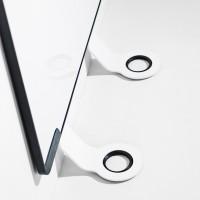 Sketchalot je dodáván se dvěma snadno instalovatelnými odnímatelnými hliníkovými nohami, s práškovým nástřikem v bílé barvě