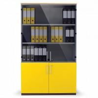 Elegantní a funkční: kombinace prosklených dveří s různě barevnými robustními dveřmi vyhoví většině zákazníků