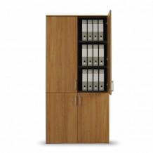 Dřevo je použito jako dekorace na obložení z druhé strany pro viditelné svrchní díly a dveře