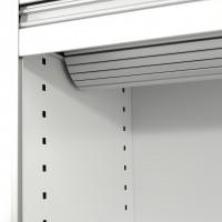 Detail srolované roletky u skříně Giano s vertikální roletkou