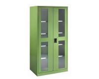 Všechny skříně mohou být individuálně konfigurovány a přizpůsobeny vašim specifickým požadavkům na skladování díky flexibilnímu použití dělících materiálů a příslušenství skříně. Na fotce skříň s průhledovými  okny vyrobenými z UV-odolného akrylového skla