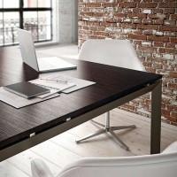 detail-stolu-tris-konferencni-stolek-int.jpg