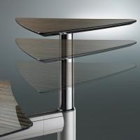 Integrovaná výjíždějící část stolu oživuje myšlenku změny polohy pro ředitelské stoly