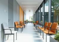 U SEANCE CARE je dbáno na praktické detaily. Perfektní Quick systém kluzáků u 4-nohé židle poskytuje nebývalý komfort.