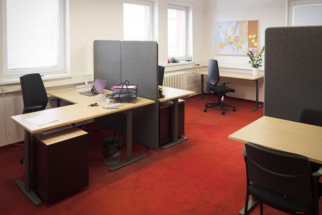 jak snížit hluk v kanceláři ? Ozvěte se firmě Soloform a odhlučníme Vám prostor na základě konzultace a následujících služeb získejte vhodné tvořivé prostředí a stejně dobrý pocit našeho zákazníka board1.eu!
